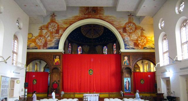 Voile-dans-une-église-de-rite-syro-malankare-au-Kérala.png